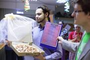 Томич попытался жениться на пицце